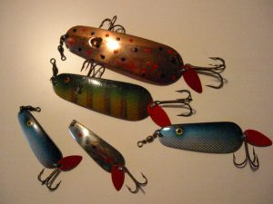 Old BETE UTO SPOON LURES