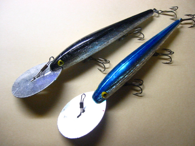 Old REBEL DEEP RUNNER MINNOW LURES